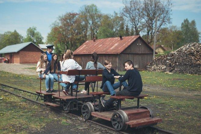 Siaurasis geležinkelis